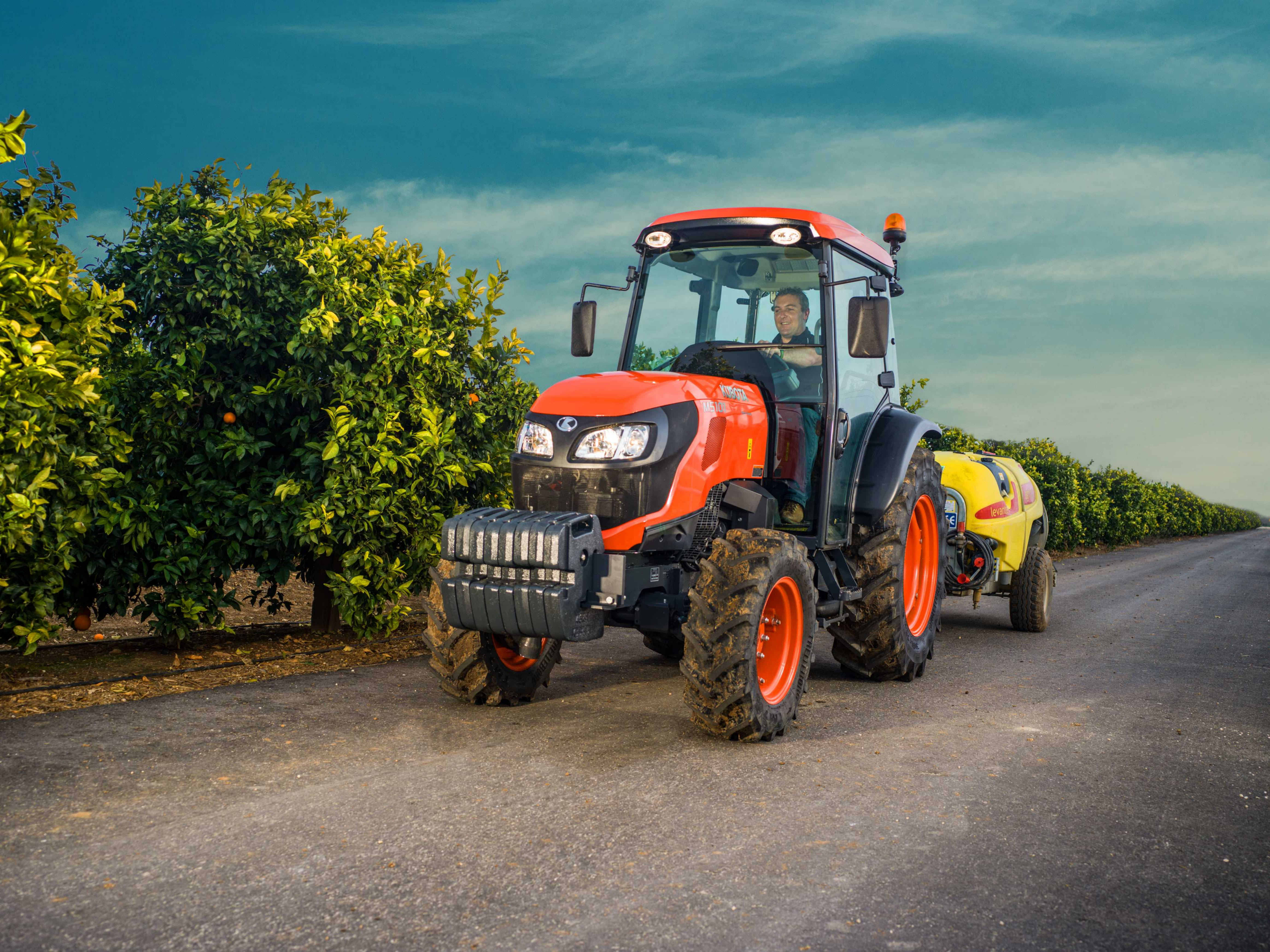 Kubota M5001 Narrow Tractor