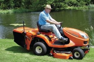 easy-grass-collector-300x200