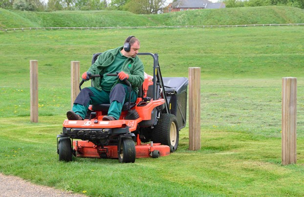 Zero Turn Mowers GZD15 - KUBOTA